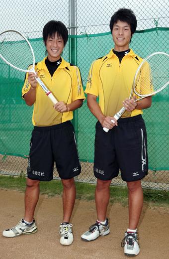 男子ソフトテニスで創部初の全国大会出場を決めた山... 赤穂民報|軟式テニスで男子初のインターハ